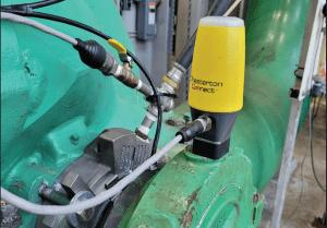 Chesterton Connect™ sensor connected to split case pump.